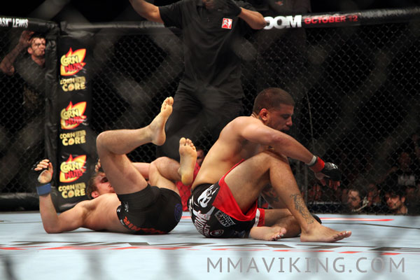 Gunnar_Nelson_Finish