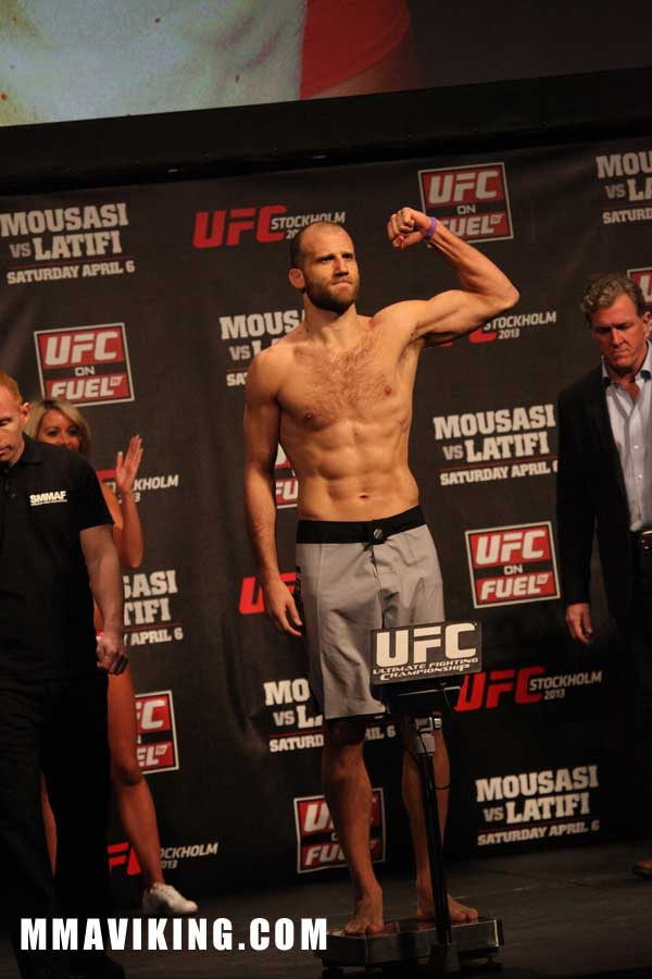 Tor_weigh_in_UFC