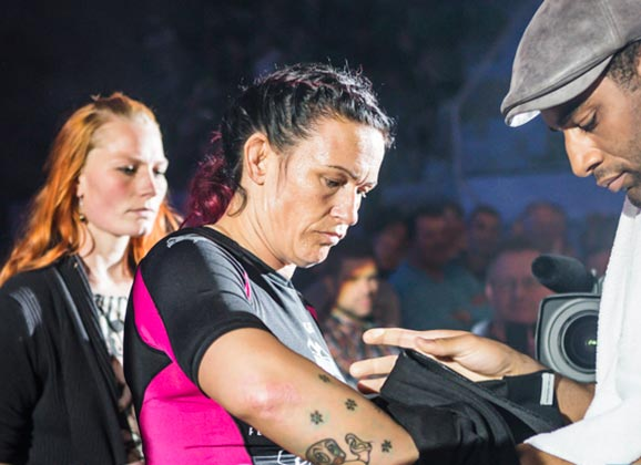 LIVE Video : Maria Hougaard-Djursaa Weigh-in for Invicta FC 9