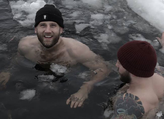 Video : Vikings Join Troeng and Stahl in Freeeeeezing Ice Bath Experience