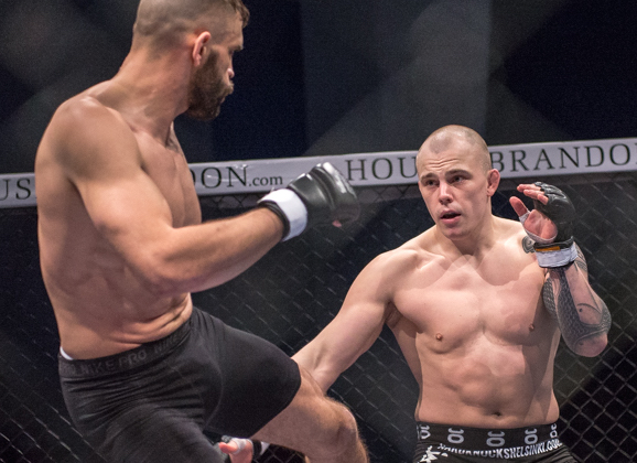 Cageside photos: Jussi Halonen vs. Laurent Beranger