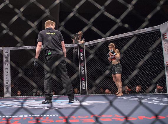 Cageside photos: Suvi Salmimies vs. Karla Benitez