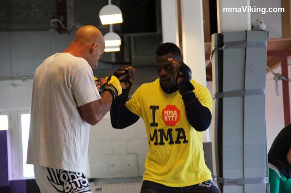 Papy Makambo Abedi UFC STandup