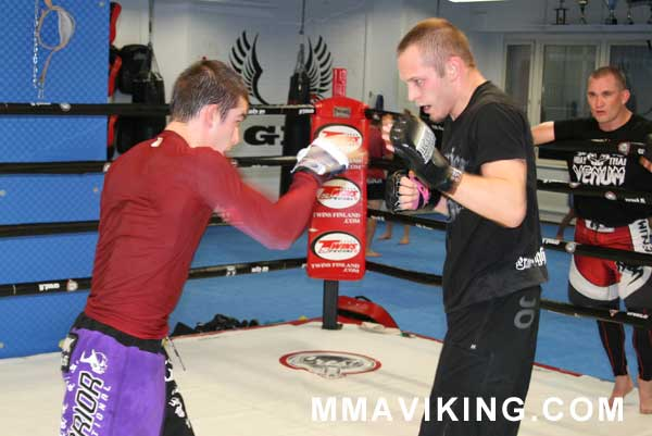 Hirvikangas (on the right) has been training hard at various gyms around Finland. Here he is sparring with flyweight up-n-comer Mikael Silander at GB Gym in Helsinki.