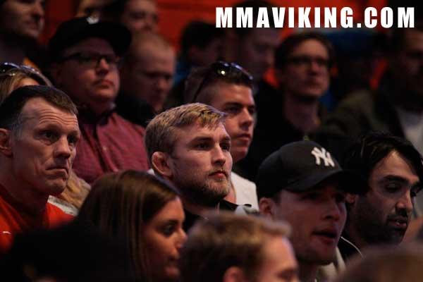 Gustafsson_weigh_in_UFC