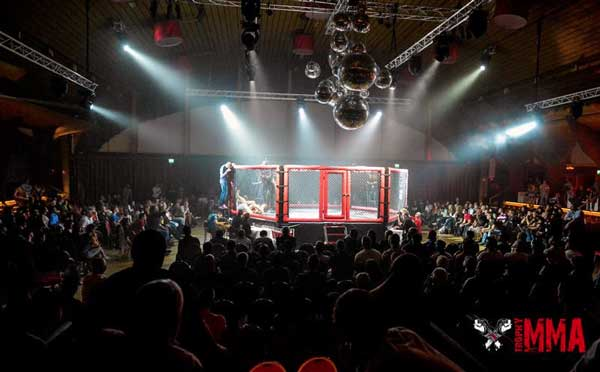 Trophy_MMA_Cage