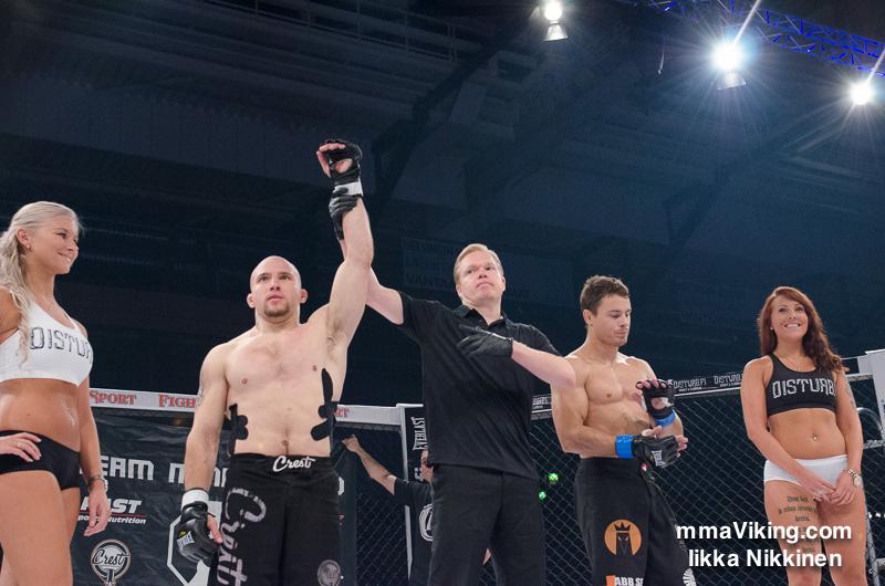 Mika Hämäläinen won the fight with a heel hook