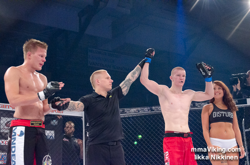 Victorious Mikko Ahmala via unanimous decision