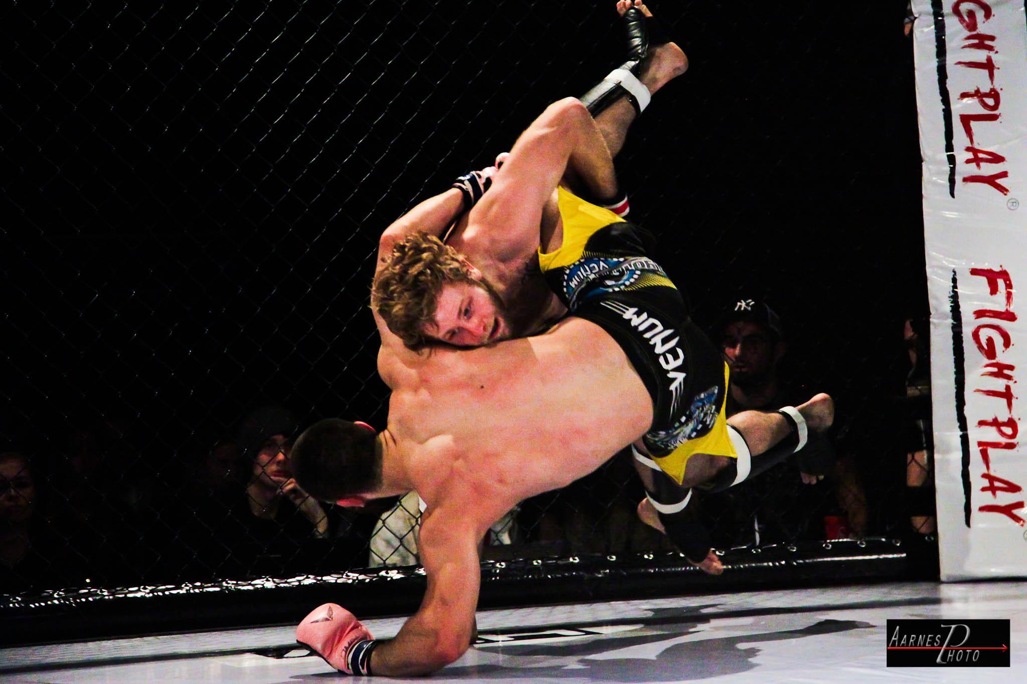 Mikael Tunc vs Jimmie Jensen12-5212