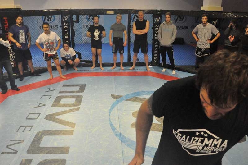 Einemo with the Norwegian MMA National Team (Photo by Tommas Tingbjør)