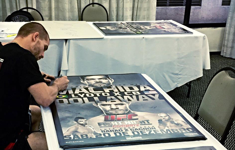 Tom Signing Posters in Brazil