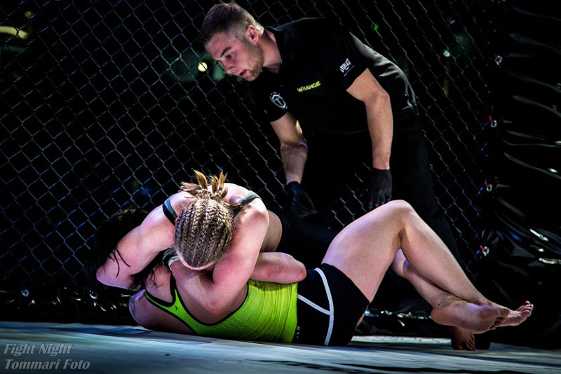 Siiskonen Submitted at End of Bout (Photo by Tommari Foto)