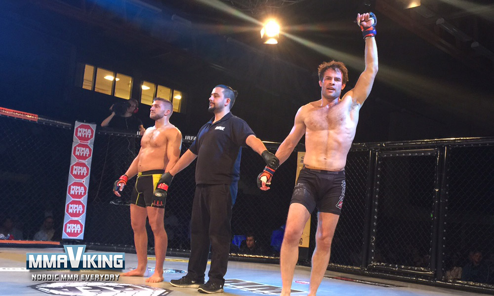 Jessing wins by submission
