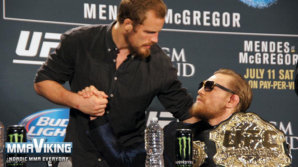 UFC189GunnarConorShake